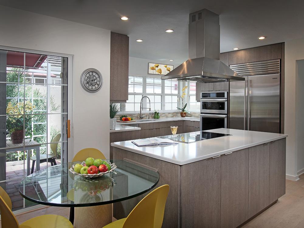 Longboat key villa kitchen cabinets eurotech custom for Artcraft kitchen cabinets